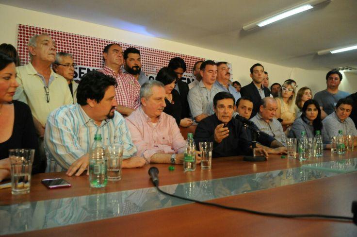 conferencia de prensa 22 de octubre frente renovador foto sixto fariña