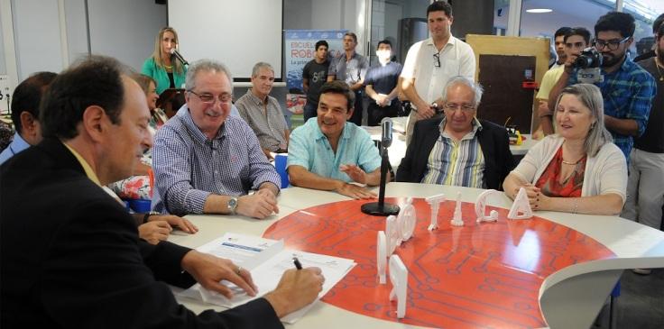 firma de convenios escuela de robotica