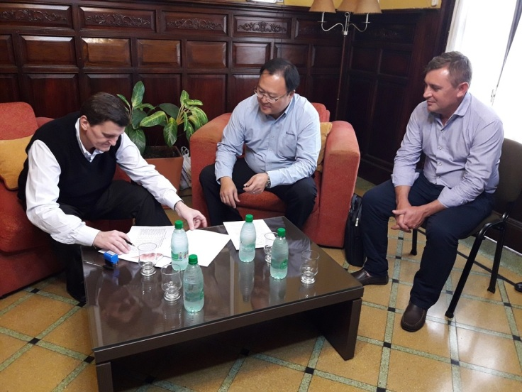 aldofo safran firma de convenio para compra de maquinarias para de municipios 2