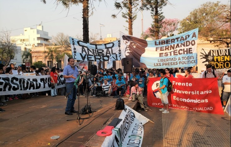 anibal plaza marcha a favor de la educacion publica2.jpg