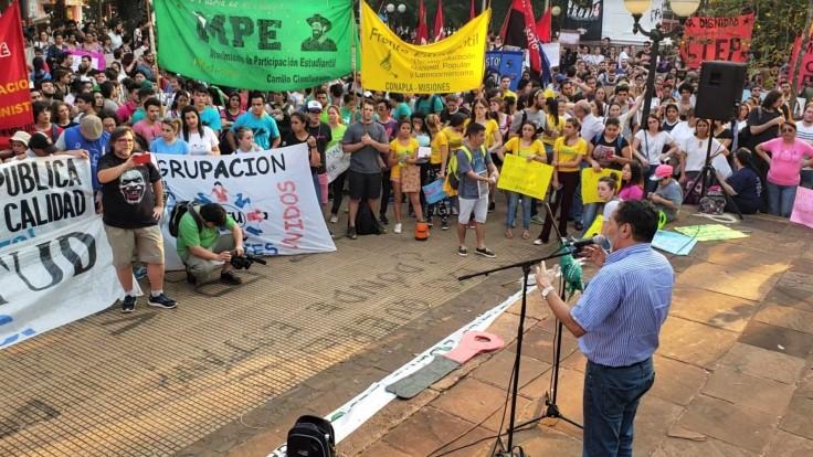 anibal plaza marcha a favor de la educacion publica3.jpg