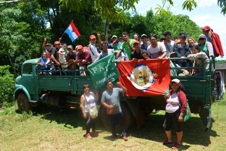 Apoyo de militantes y dirigentes a los productores de Piñalito Sur