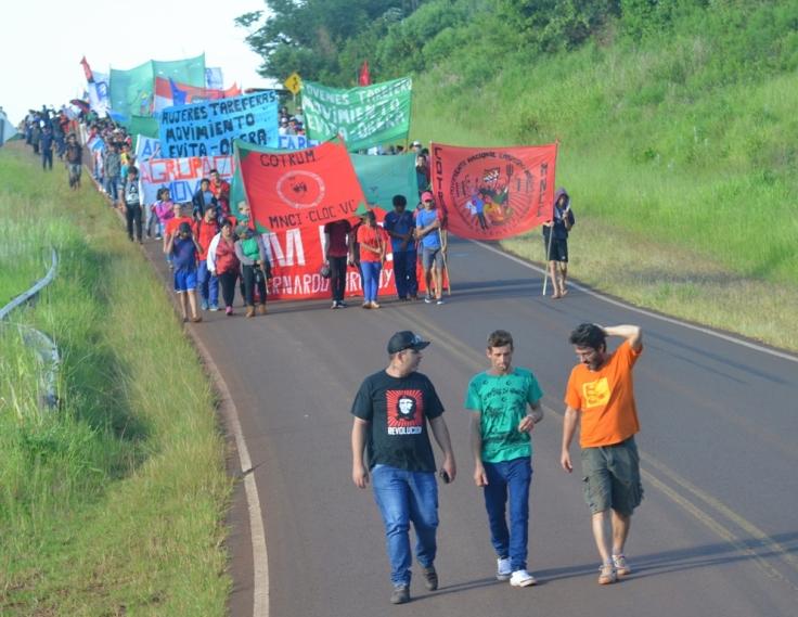 Marcha del Campamento de Jóvenes en Tekoa Arandú5