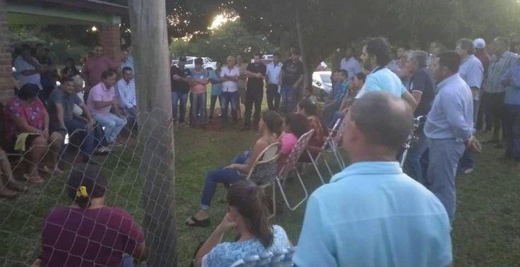 Cacho Bárbaro reunido con con productores tabacaleros6