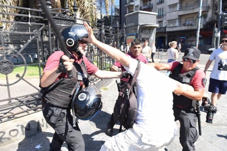policia reprime