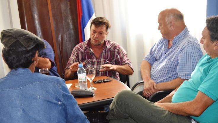 Reunión de productores en Casa de Gobierno1