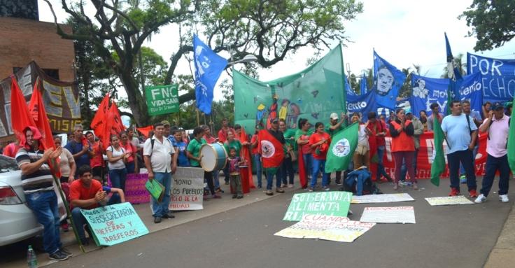 Organizaciones campesinas llegaron hasta Posadas4.JPG