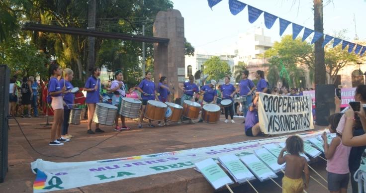 La plaza con intervenciones artisticas en el Día de la Mujer Trabajadora