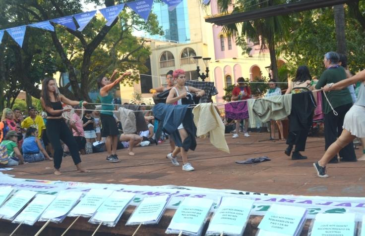 La plaza con intervenciones artisticas en el Día de la Mujer Trabajadora11