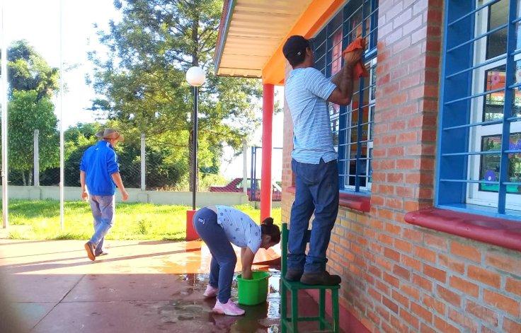 Las organizaciones sociales pusieron manos a la obra en escuelas1
